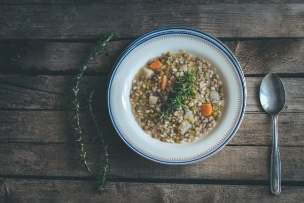 Ballaststoffreiche Lebensmittel Liste Schälerbsen Suppe
