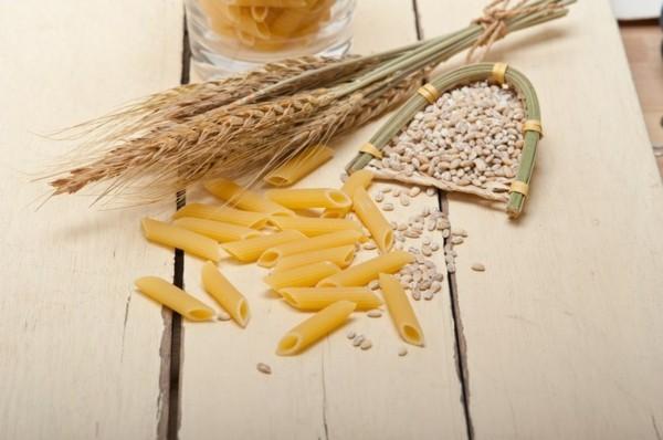 Ballaststoffreiche Lebensmittel Liste Weizen Vollkornnudeln