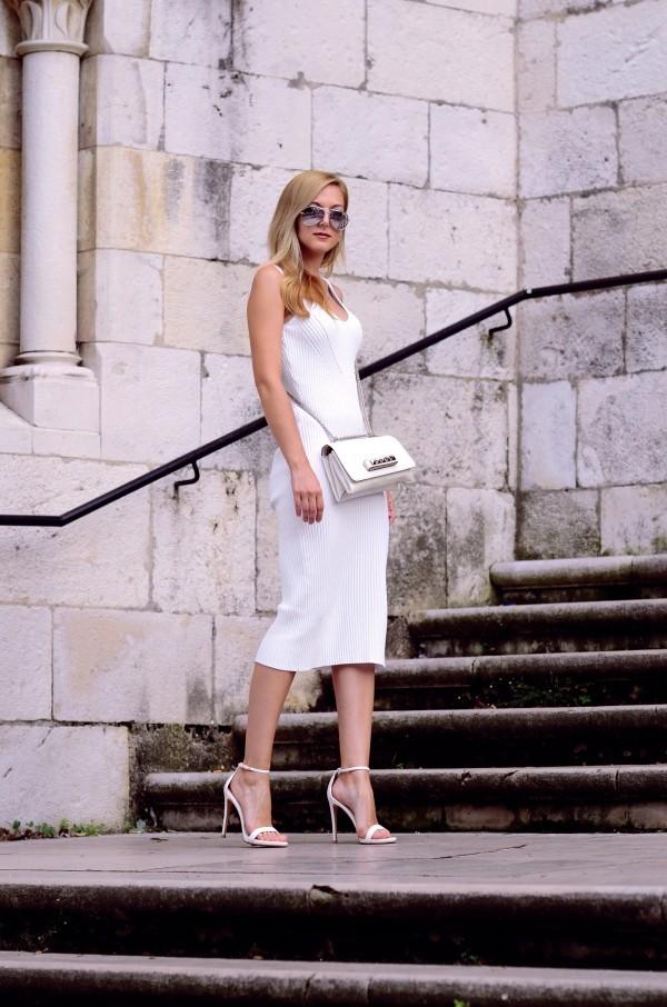 Damenkleider - Eleganz in weißer Farbe