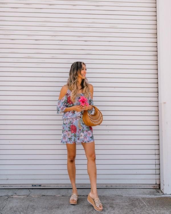 Damenkleider - kurze schiere Idee
