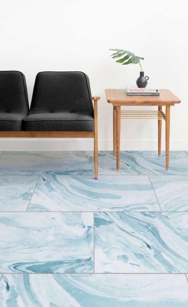 Design-Inspiration mit größeren Marmor-Fliesen
