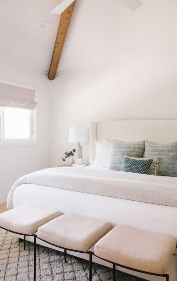 Elfenbein - kleine Stühle im Schlafzimmer