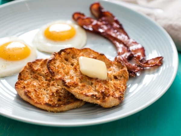 Englische Muffins selber backen Rezept englisches Frühstück
