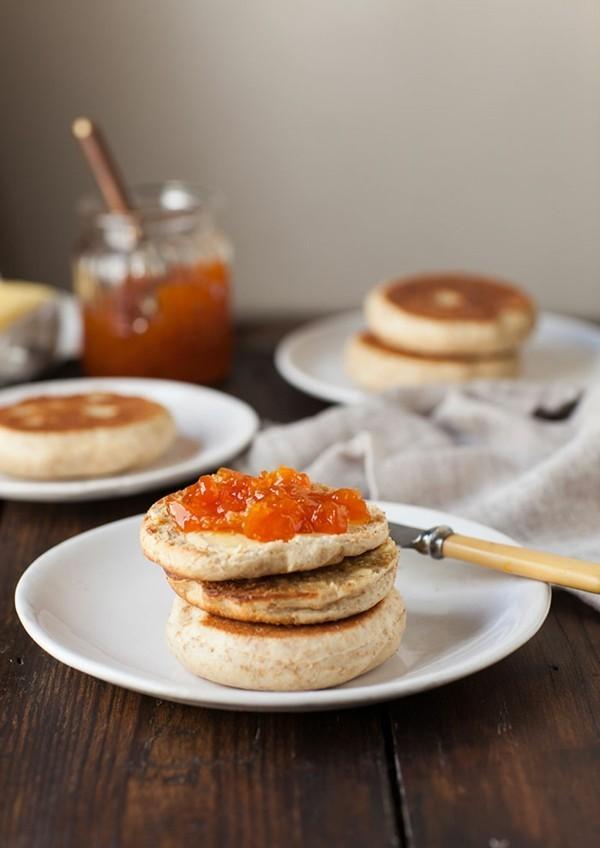 Englische Muffins selber backen Rezept gesunde Schmierbrötchen