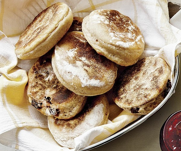 Englische Muffins selber backen Rezept hausgemachtes Gebäck