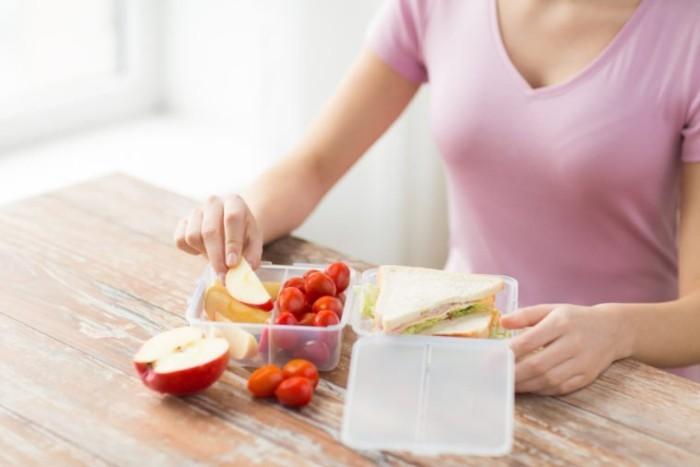 Food Trends 2020 Snacks für zwischendurch zubereiten und zur Arbeit mitnehmen