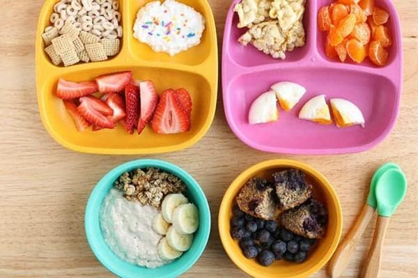 Gesunde Frühstücksideen für Kinder Früchte geschnitten