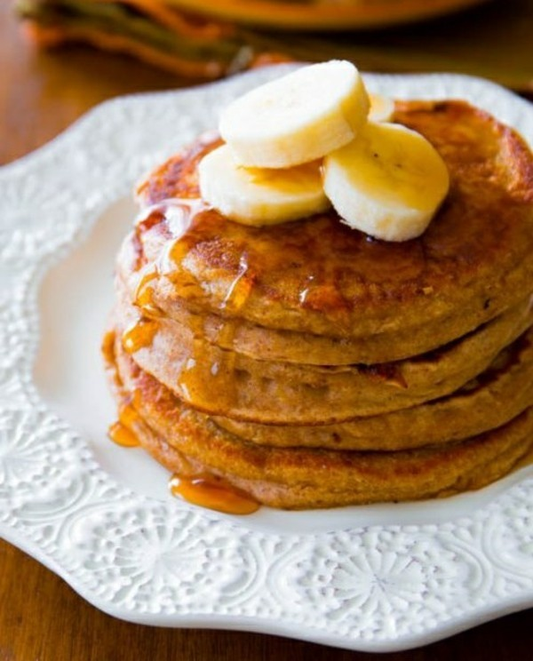 Gesunde Frühstücksideen für Kinder Pfannkuchen mit Honig