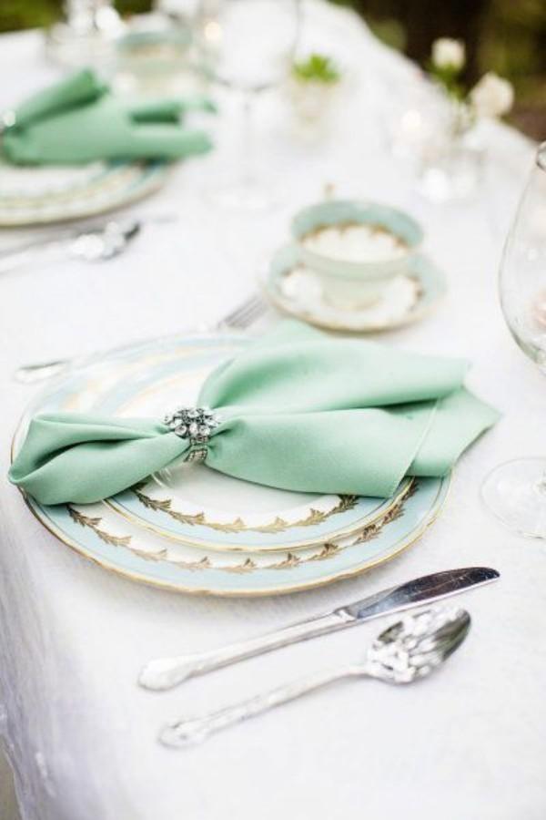Hochzeitsdeko in einer Minzfarbe
