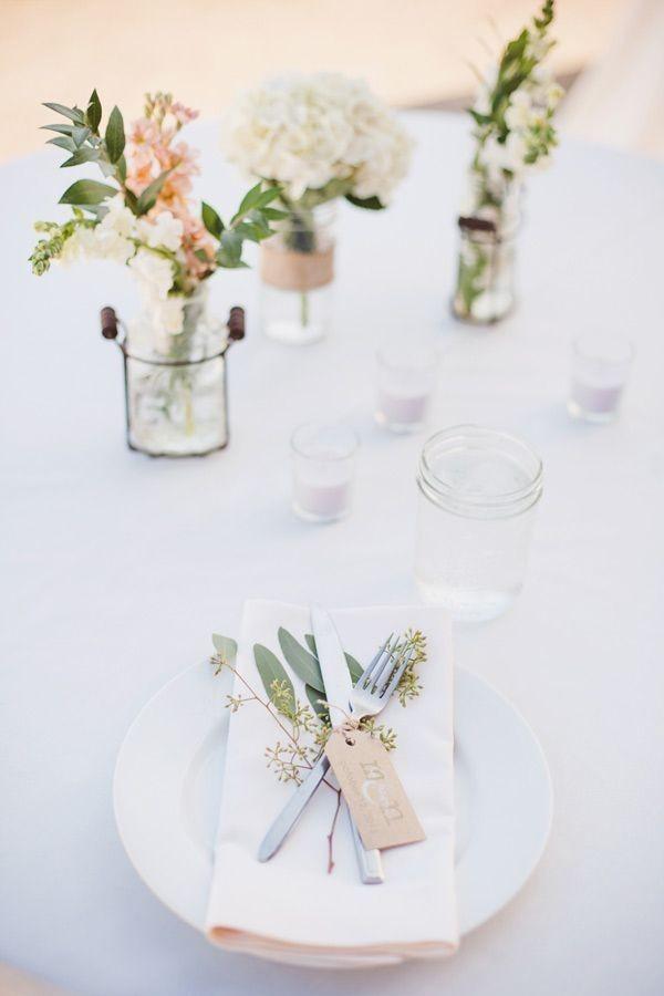 Hochzeitsdeko - neutrale helle Tischgestaltung