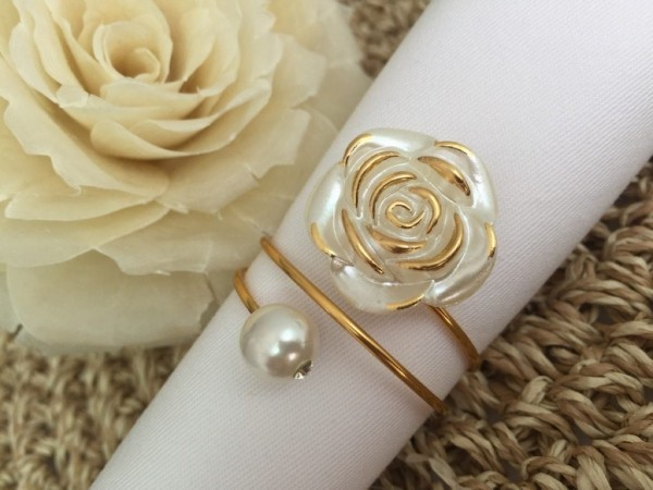 Hochzeitsdeko - toller goldener Ring