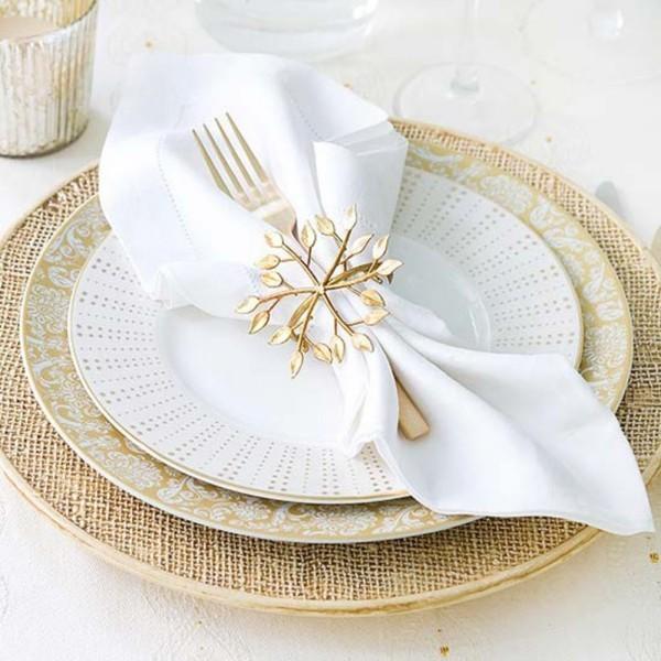 Hochzeitsdeko - weiße Servietten mit silbernen Nuancen