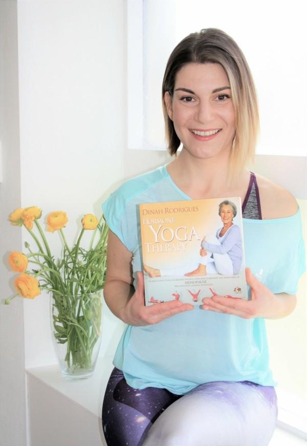 Hormonyoga Therapie Buch Frauen Gesundheit Menopause