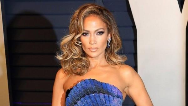 Jennifer Lopez 50 Jahre alt perfektes Äußeres kleine Rollen dann Durchbruch als Sängerin