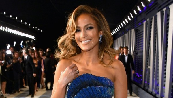 Jennifer Lopez 50 Jahre alt perfektes Äußeres viel Erfolg zahlreiche Musikpreise