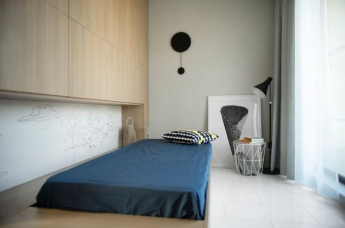 Kleines Apartment einrichten erstes Schlafraum Plattform Matratze minimalistisch sehr praktisch