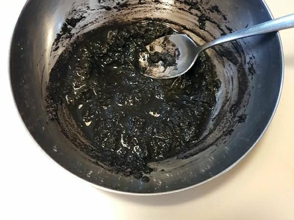 Kokedama selber machen Mooskugel Keto Erde Wasser Mischung