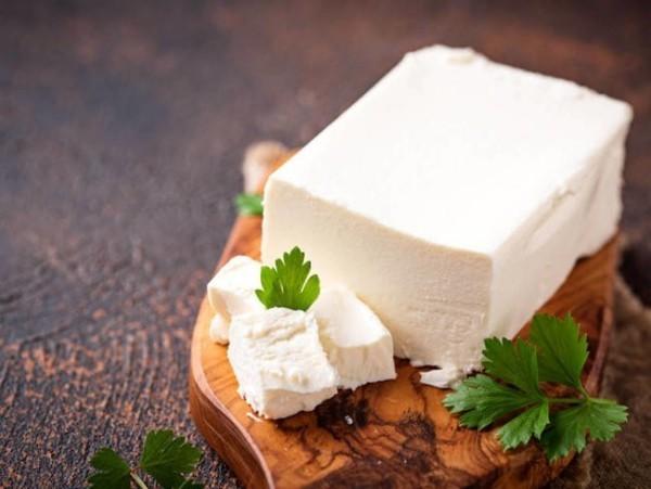 Magnesiumreiche Lebensmittel Feta Käse gesund enthält Kalzium Magnesium