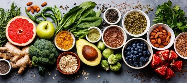 Magnesiumreiche Lebensmittel Nüsse Kerne Avocado Spinat Brokkoli Rosenkohl Obst