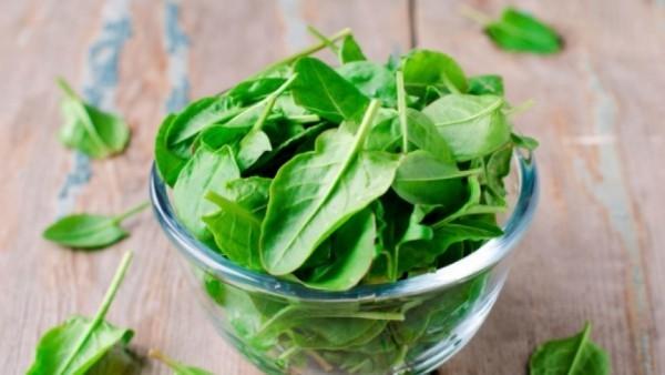 Magnesiumreiche Lebensmittel Spinat starke Magnesiumquelle