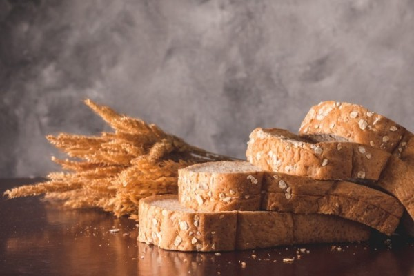 Magnesiumreiche Lebensmittel Weizenkleie Vollkornbrot essen Magnesiummangel vorbeugen