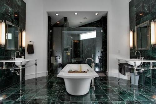 Marmor im Bad Marmorfliesen pompös gestaltetes Badezimmer eine starke Luxus Note