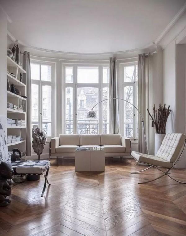 Pariser Chic im Wohnzimmer weiße Wände