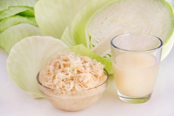 Sauerkraut und Saft probiotische Lebensmittel