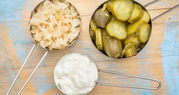 Probiotische Lebensmittel Sauerkraut Kefir Sauergurken