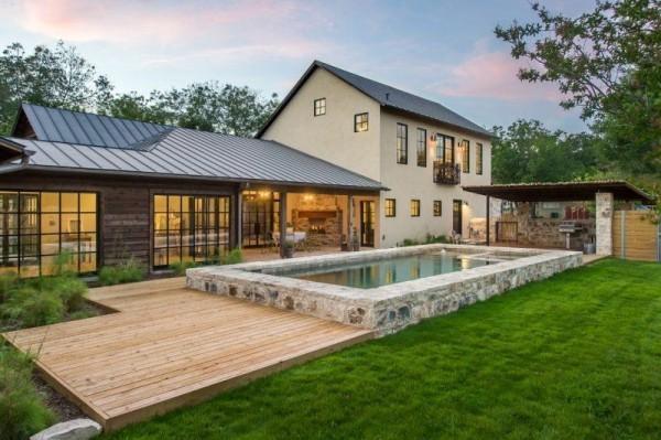 Schöne Wiese moderne Häuser