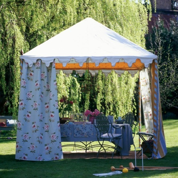 Sommerparty Deko Ideen Gartenparty Gartenlaube Schatten Sonnenschutz