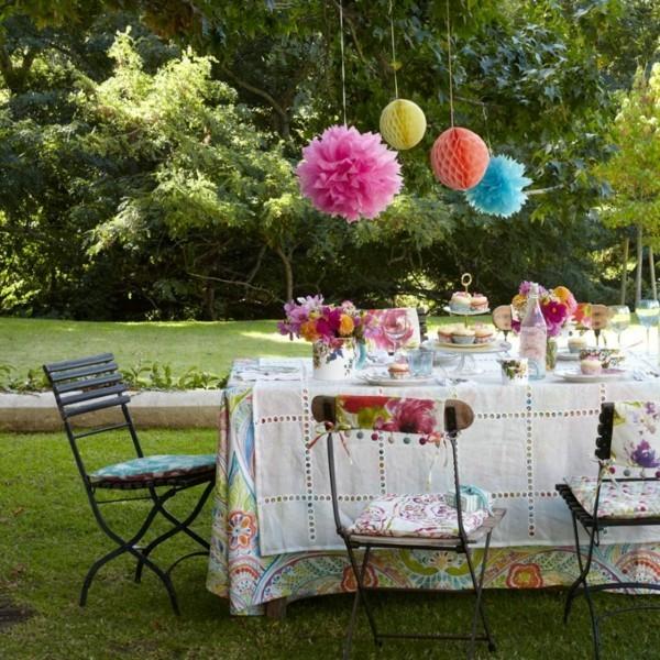 Sommerparty Deko Ideen Gartenparty Papierpompons