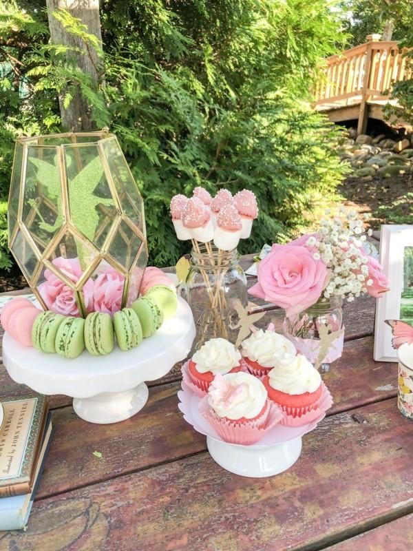 Sommerparty Deko Ideen Gartenparty Tisch Buffet Süßigkeiten