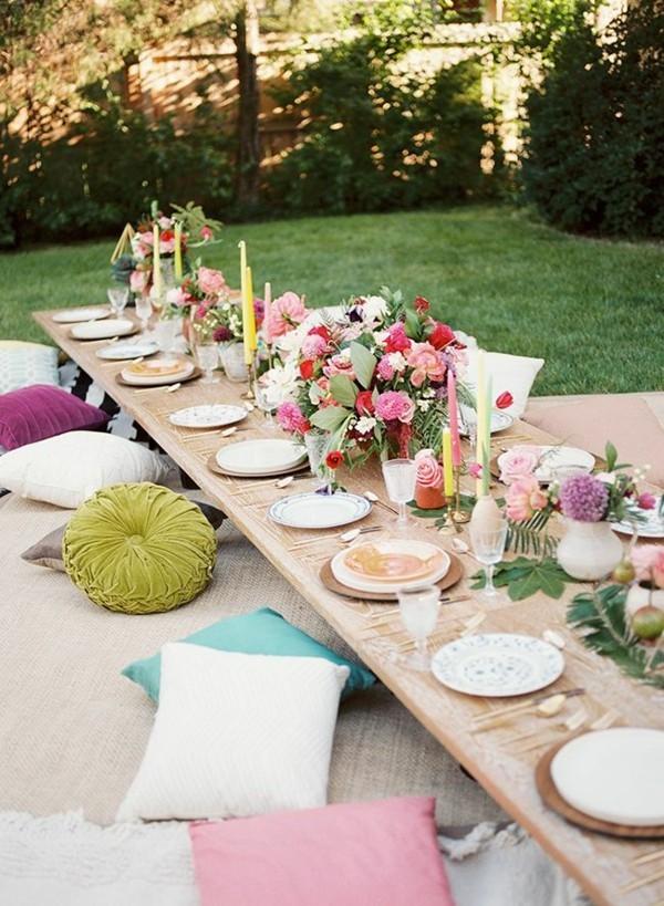 Sommerparty Deko Ideen Gartenparty Tisch Sitzkissen