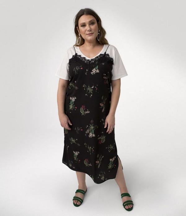 T-Shirt und ein schwarzer Oberteil Damenkleider