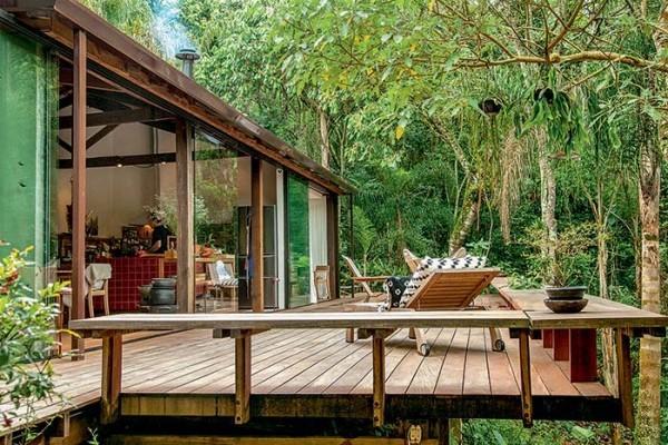 Traumhaus - Lianen und Holzkonstruktion