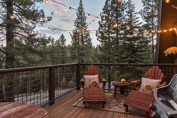 Traumhaus - ein Wald mit Nadelbäumen