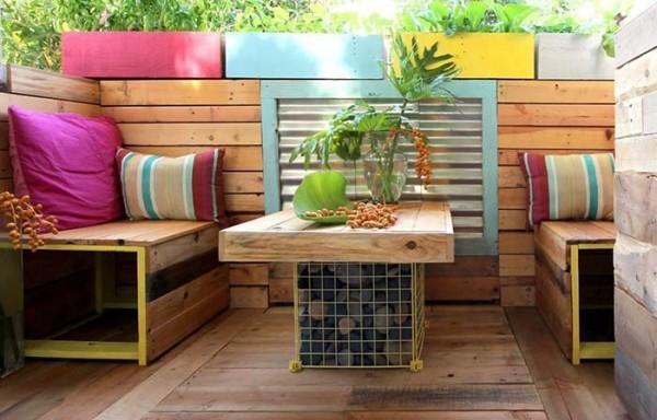 Traumhaus - eine hohe Holzwand Idee