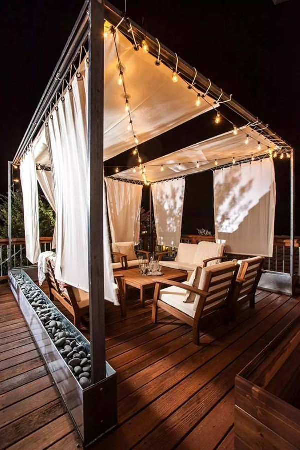 Traumhaus - tolle weiße Gardinen - wunderbar