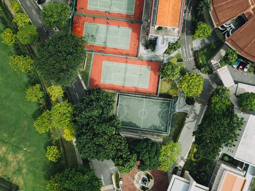 Urban Gardening kleine grüne Flächen in der Großstadt bewirtschaften gemeinschaftlich bearbeiten