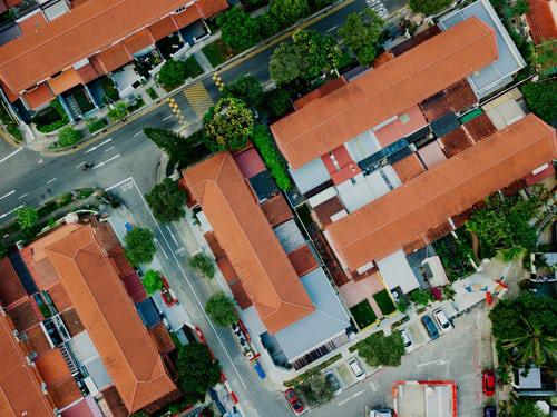 Urban Gardening kleine grüne Flächen zwischen Häusern haben neue Funktion