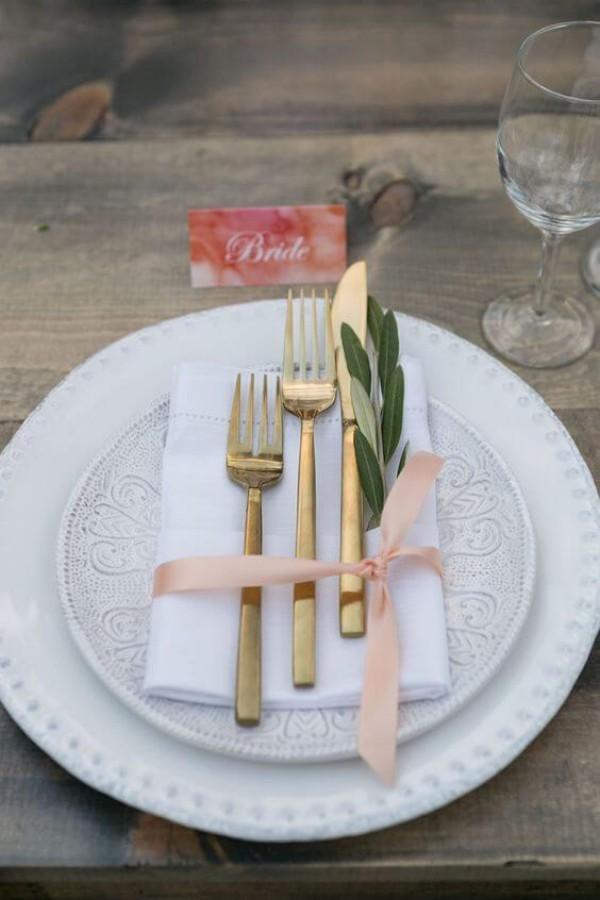 Viele Gabeln und Messer - Hochzeitsdeko