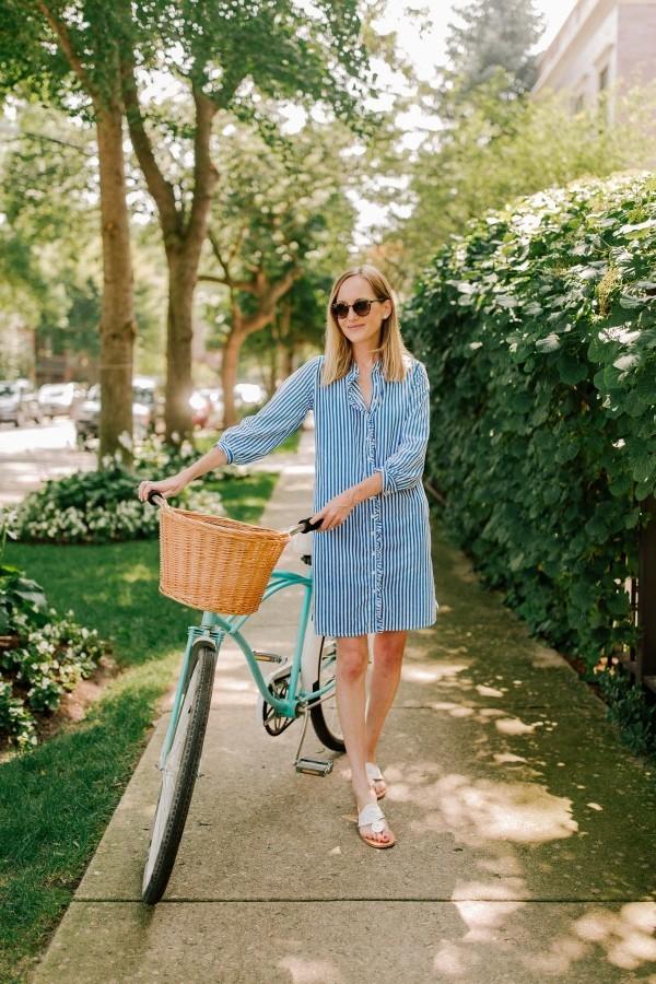 bequeme Modelle an Sommerkleider für die Stadt