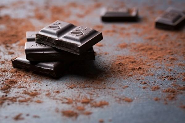 eisenhaltige lebensmittel dunkle schokolade