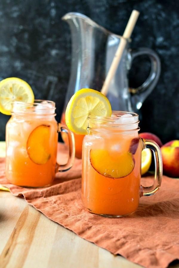 frische pfirsich limonade als sommer durstlöscher