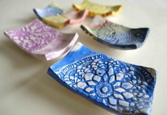 räucherstäbchenhalter mit spitzendeckchen dekorieren