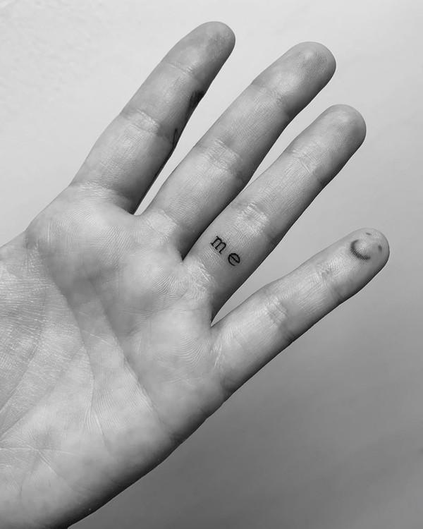 tattoo ganz neu am Finger
