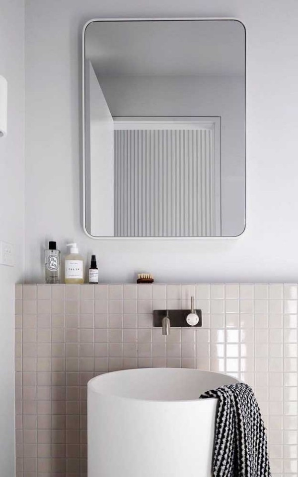 tolle Wand im Badezimmer Elfenbein