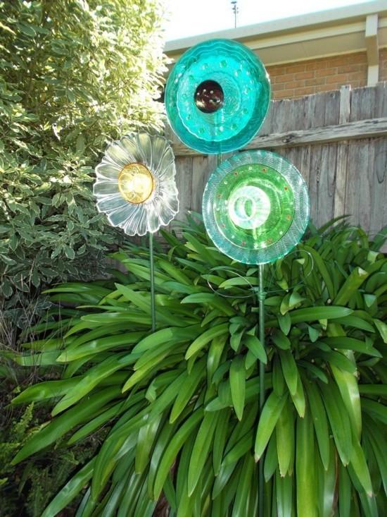 upcycling gartendeko ideen sonnenfänger basteln aus geschirr