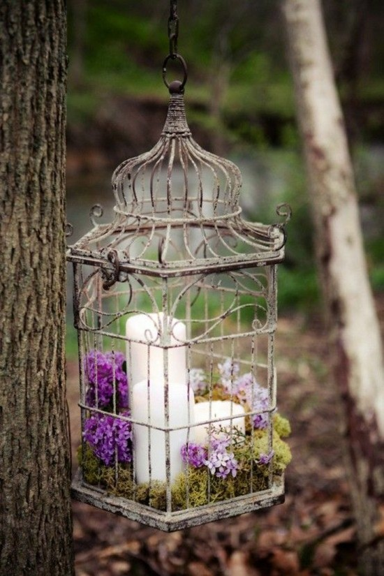 vogelkäfig deko hochzeitsdeko ideen mit blumen und kerze